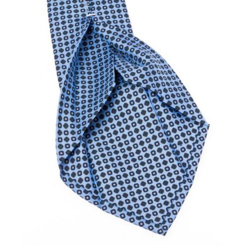cravate-7-plis-en-twill-de-soie-bleu-ciel-a-motifs-bleu-et-marron