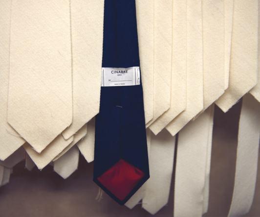 test-cravate-homme-laine-cachemire-cinabre-triplure